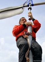 Montage in luftiger Höhe mit Alpintechnik