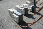 Aus 7 Kalksteinblöcken mit Solarmodulen gebaut, vollzieht sie in Abhängigkeit von der Sonnenintensität und der Erdrotation eine Überlegung von Johannis Keppler nach,...